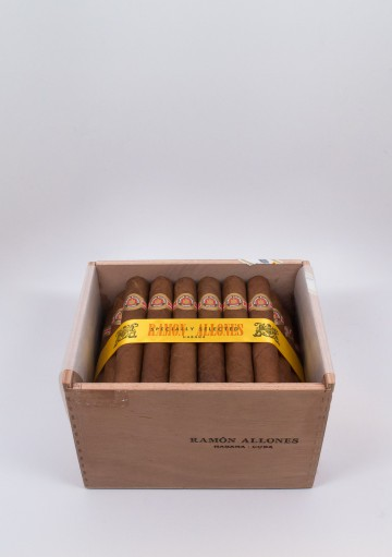 Ramon Allones, Specially Selected