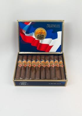 La Aurora, Dominican DNA Toro