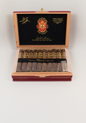 "Arturo Fuente, Don Carles ""The Man's 80"""